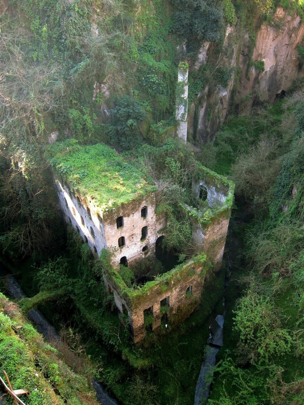 Incredible abandoned places around the world Part 1