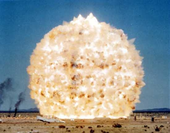 Top 10 large-scale explosions